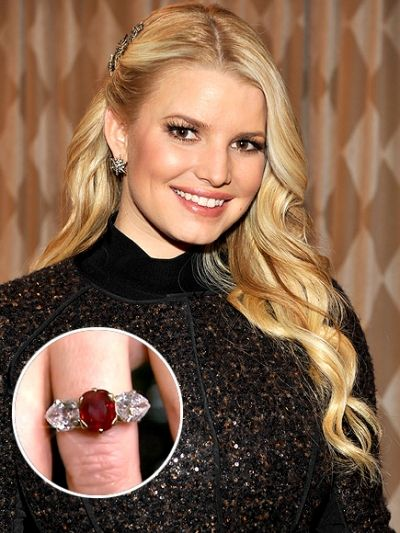 jessica_simpson_ruby_engagnement_ring.jpg