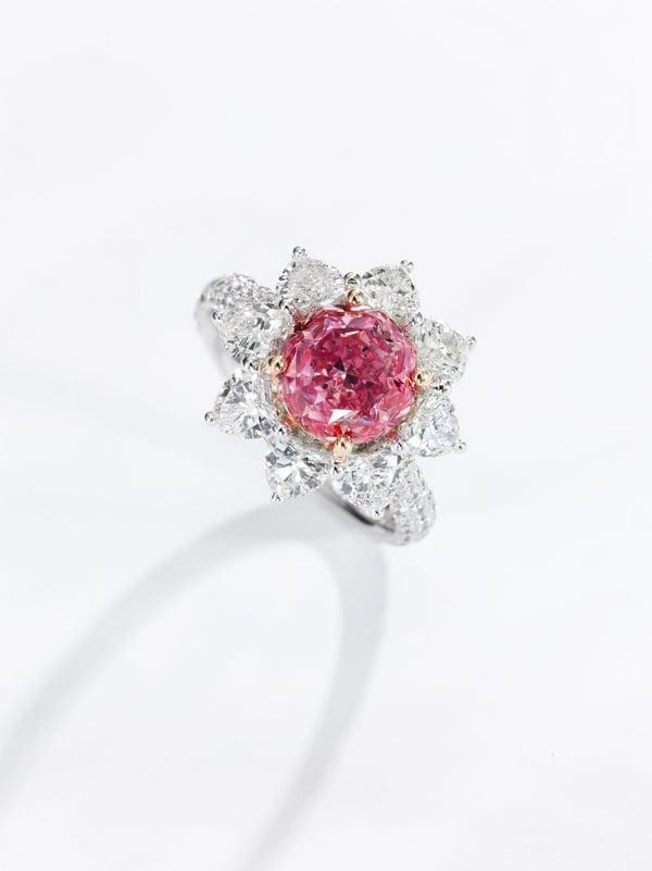 Fancy vivid purplish pink diamond ring  - credit Sothebys -1