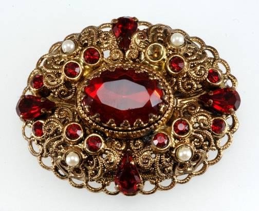 costume jewellery.jpg