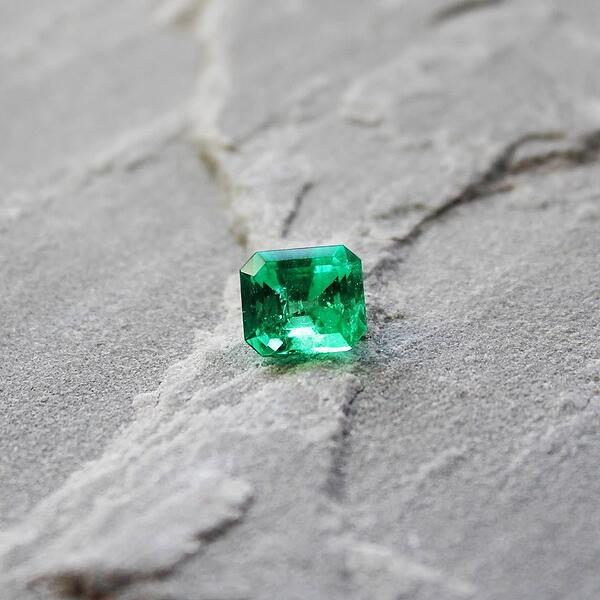 emeralds birthstone