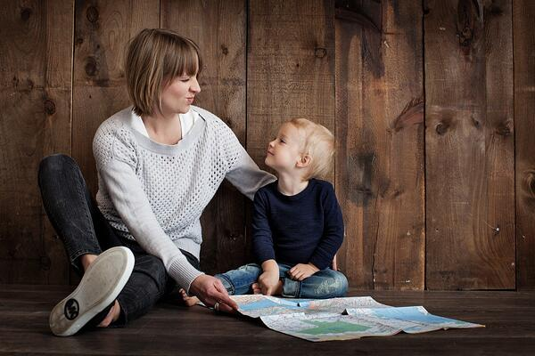 family_parenting_together_people_child_mother_happy_parent-783773.jpg!d