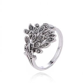 feather engagement ring.jpg