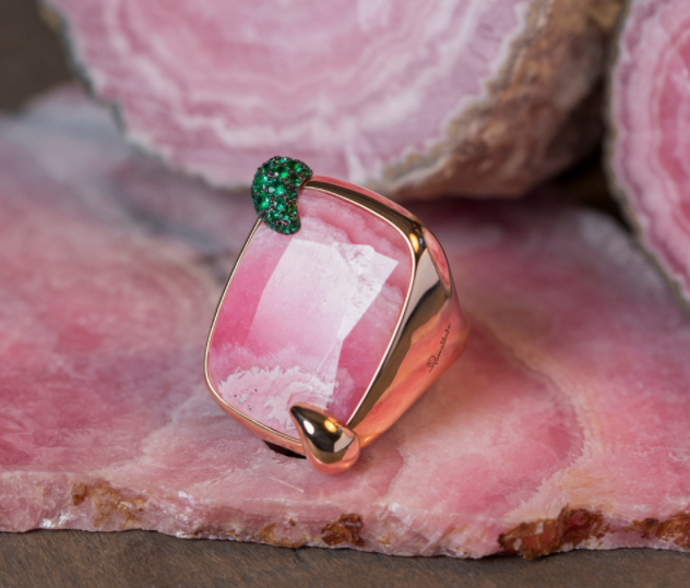 the trendy pinky rings and colourful gemstones