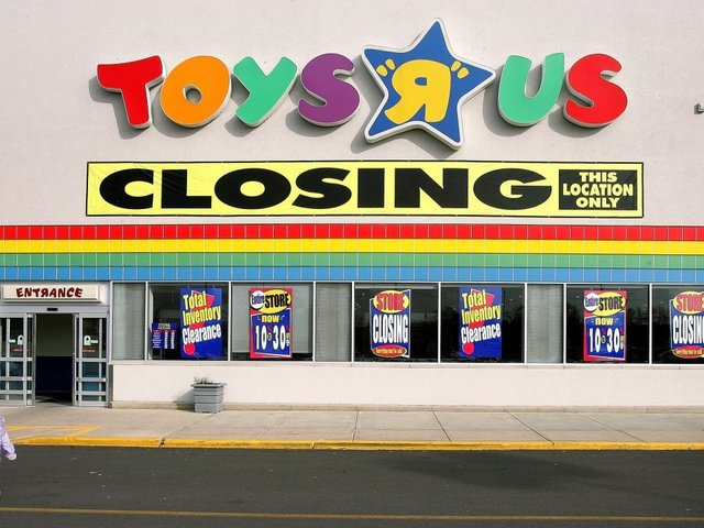 Toys R Us Demise and Why We Need to Take Note